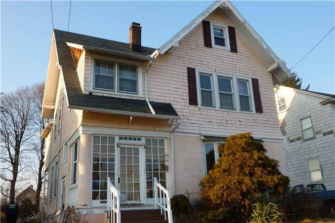 Short Sale: Single Family Home Sold in Bridgeport CT 06606. Old colonial house near waterfront with 1 car garage.