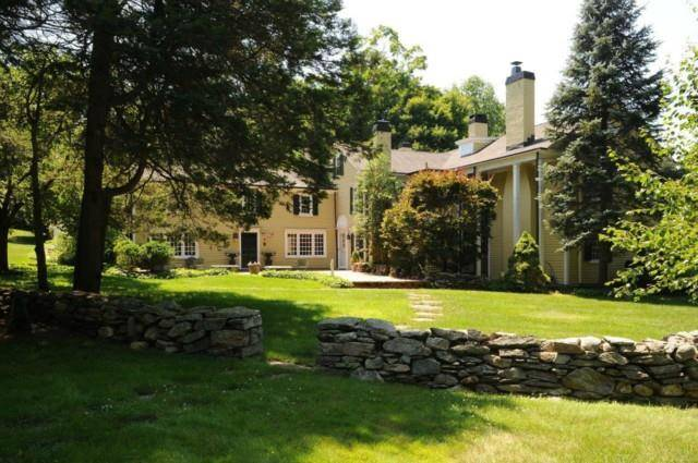 Single Family Home Sold in Wilton CT 06897. Old colonial, antique house near waterfront with swimming pool and 4 car garage.