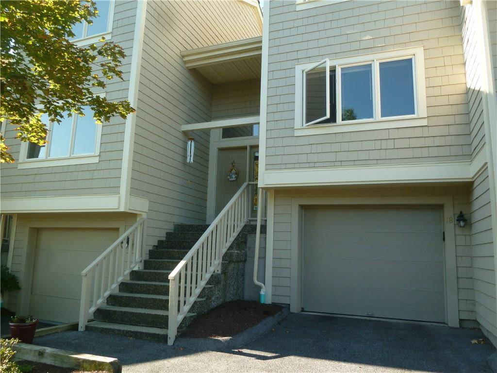 Condo Home Sold in Danbury CT 06810.  townhouse near lake side waterfront with swimming pool and 1 car garage.