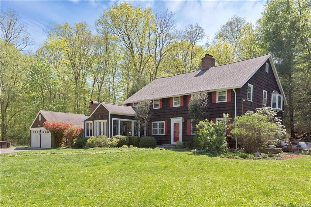 Single Family Home Sold in Weston CT 06883. Colonial house near lake side waterfront with 2 car garage.