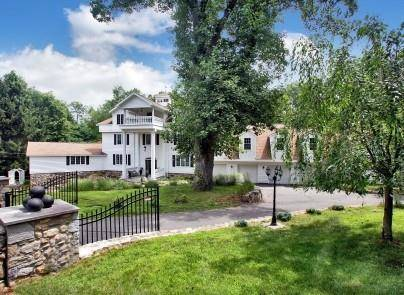 Mansion Sold in Weston CT 06883. Big colonial house near waterfront with 7 car garage.
