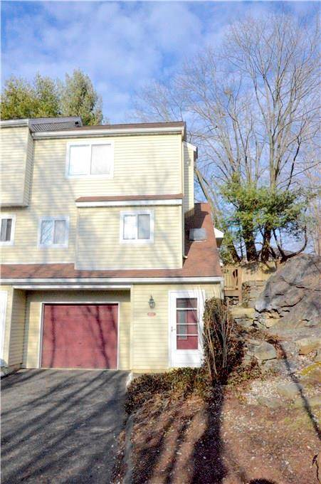 Condo Home Rented in Danbury CT 06810.  townhouse near waterfront with 1 car garage.