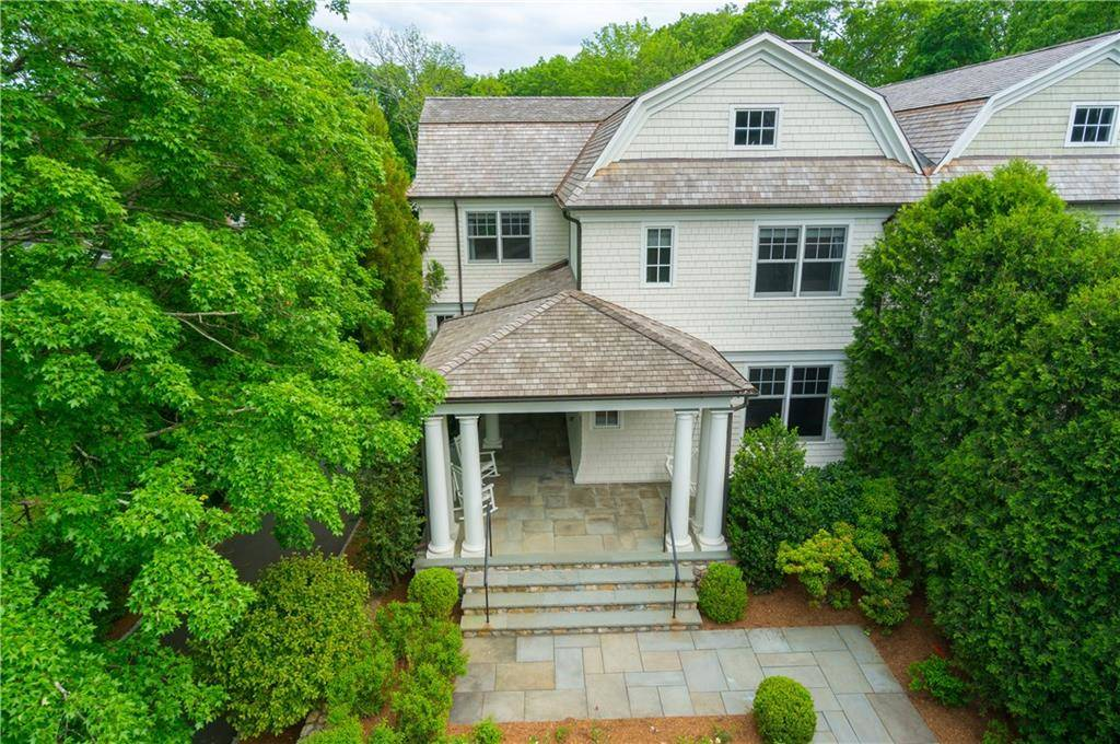 Condo Home Sold in New Canaan CT 06840.  townhouse near waterfront with 1 car garage.