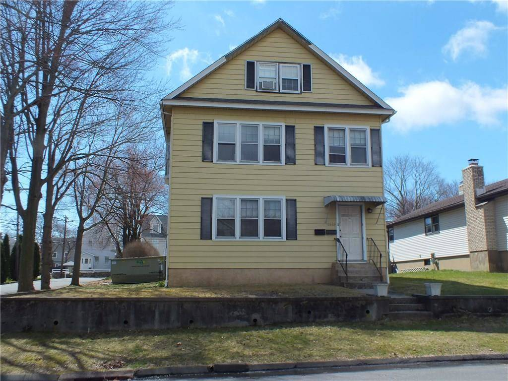 Multi Family Home Rented in Fairfield CT 06825. Old colonial house near waterfront.