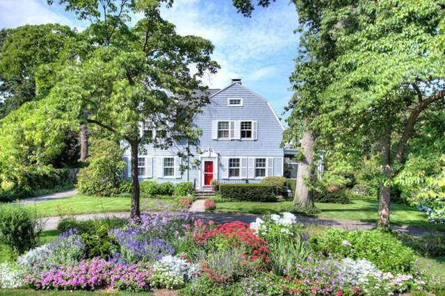 Luxury Single Family Home Sold in Greenwich CT 06870. Old colonial house near waterfront with 1 car garage.