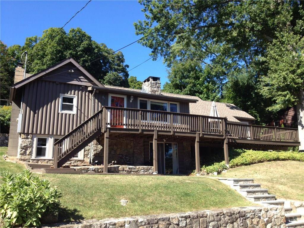 Single Family Home Rented in New Fairfield CT 06812. Old ranch house near beach side waterfront.
