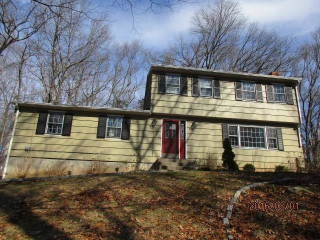 Foreclosure: Single Family Home Sold in Newtown CT 06470. Colonial house near waterfront with swimming pool and 2 car garage.