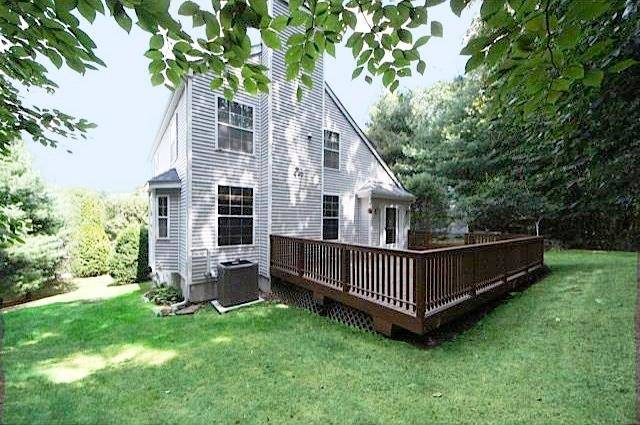 Single Family Home Sold in Norwalk CT 06851. Contemporary house near beach side waterfront with swimming pool and 2 car garage.