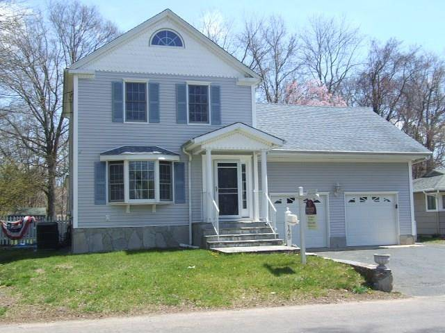 Short Sale: Single Family Home Sold in Fairfield CT 06825. Old colonial house near beach side waterfront with 2 car garage.