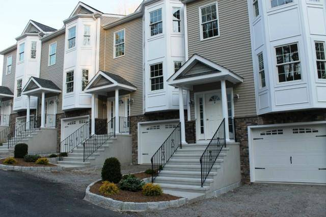 Condo Home Sold in Newtown CT 06482.  townhouse near waterfront with 1 car garage.