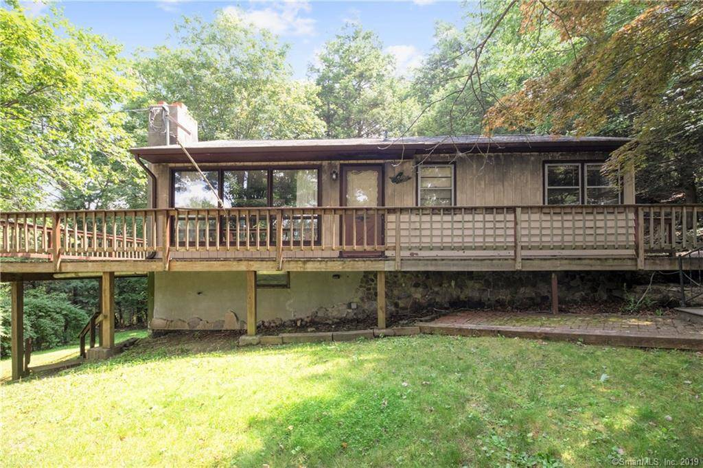 Single Family Home Sold in Sherman CT 06784. Ranch house near beach side waterfront.