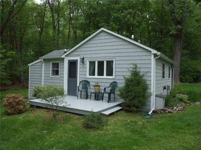 Single Family Home Rented in Wilton CT 06897.  cottage house near lake side waterfront.