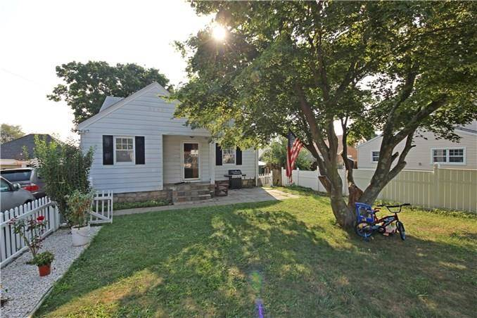 Single Family Home Sold in Trumbull CT 06611.  cape cod house near beach side waterfront.