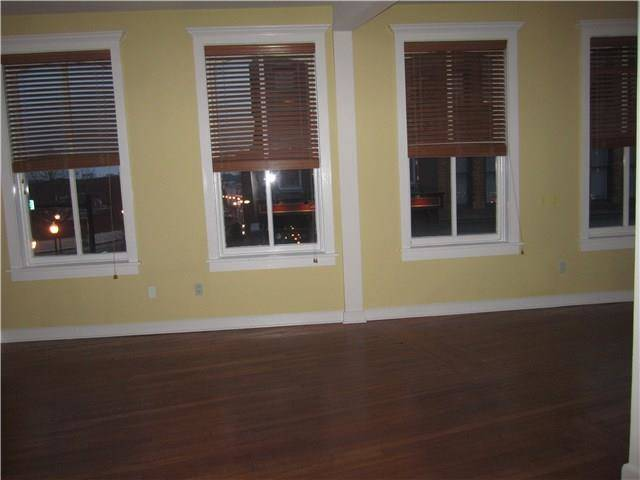 Condo Home Rented in Norwalk CT 06854.  house near beach side waterfront.