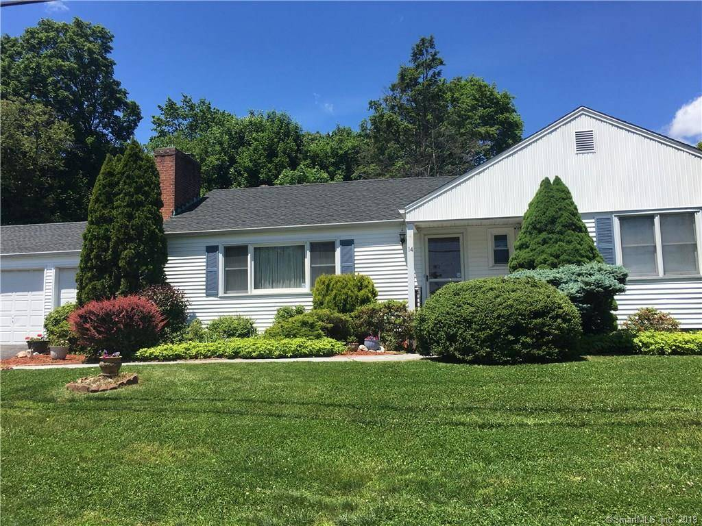 Single Family Home Sold in Fairfield CT 06825. Ranch house near beach side waterfront with 3 car garage.