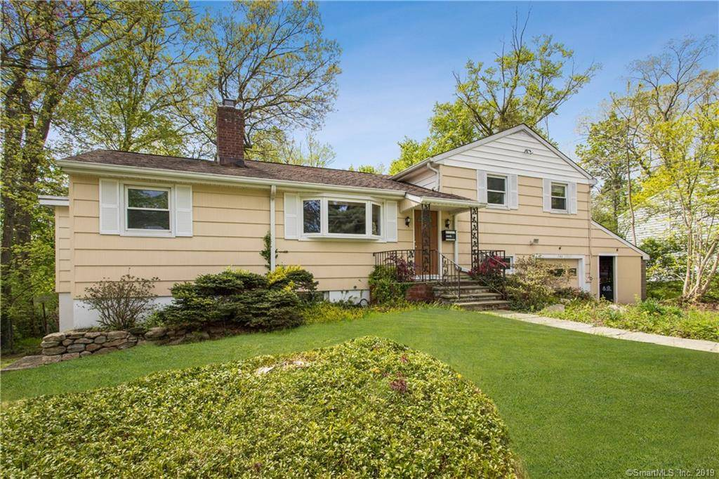 Single Family Home Sold in Stamford CT 06907.  house near waterfront with 1 car garage.