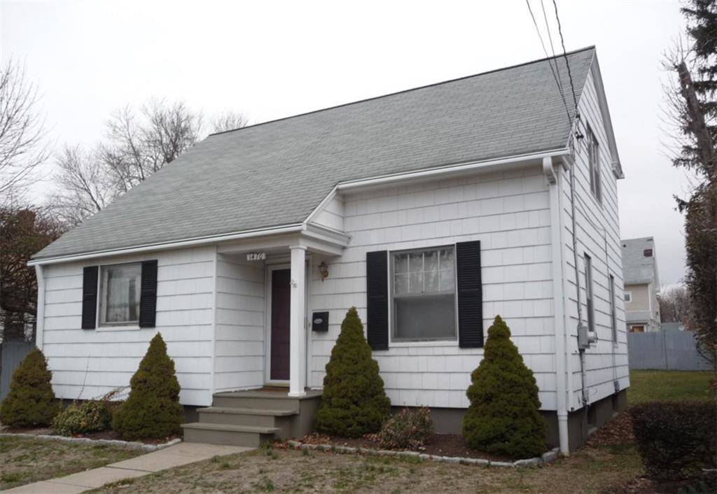 Foreclosure: Single Family Home Sold in Bridgeport CT 06604.  cape cod house near waterfront.
