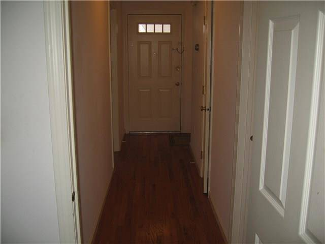 Condo Home Rented in Bridgeport CT 06604. Ranch house near waterfront.
