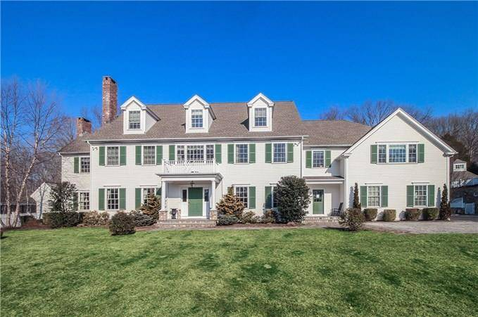 Mansion Sold in Fairfield CT 06824. Big colonial, georgian house near lake side waterfront with swimming pool and 6 car garage.