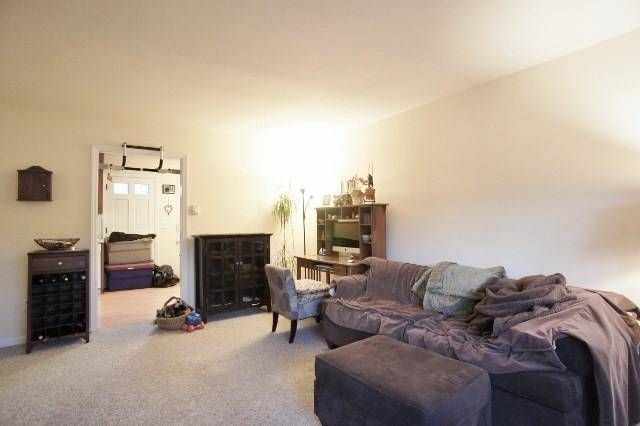 Condo Home Rented in Norwalk CT 06851.  townhouse near beach side waterfront.