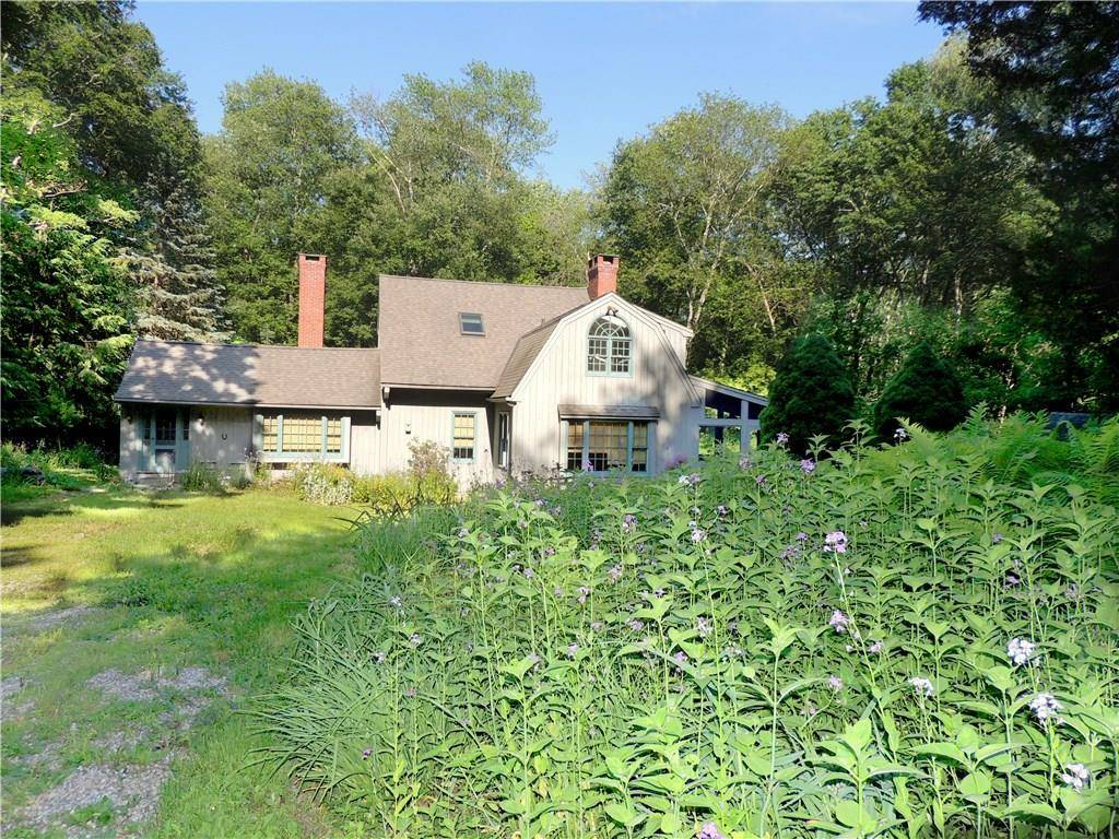 Single Family Home Sold in Wilton CT 06897. Contemporary cottage house near river side waterfront with 2 car garage.