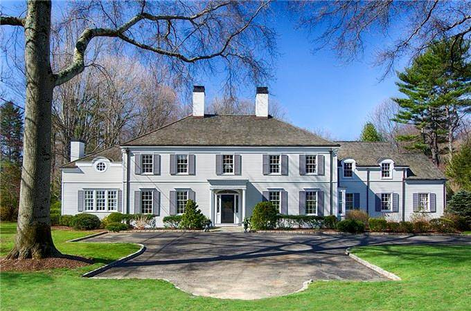 Luxury Mansion Sold in Fairfield CT 06824. Big colonial, georgian house near beach side waterfront with 2 car garage.