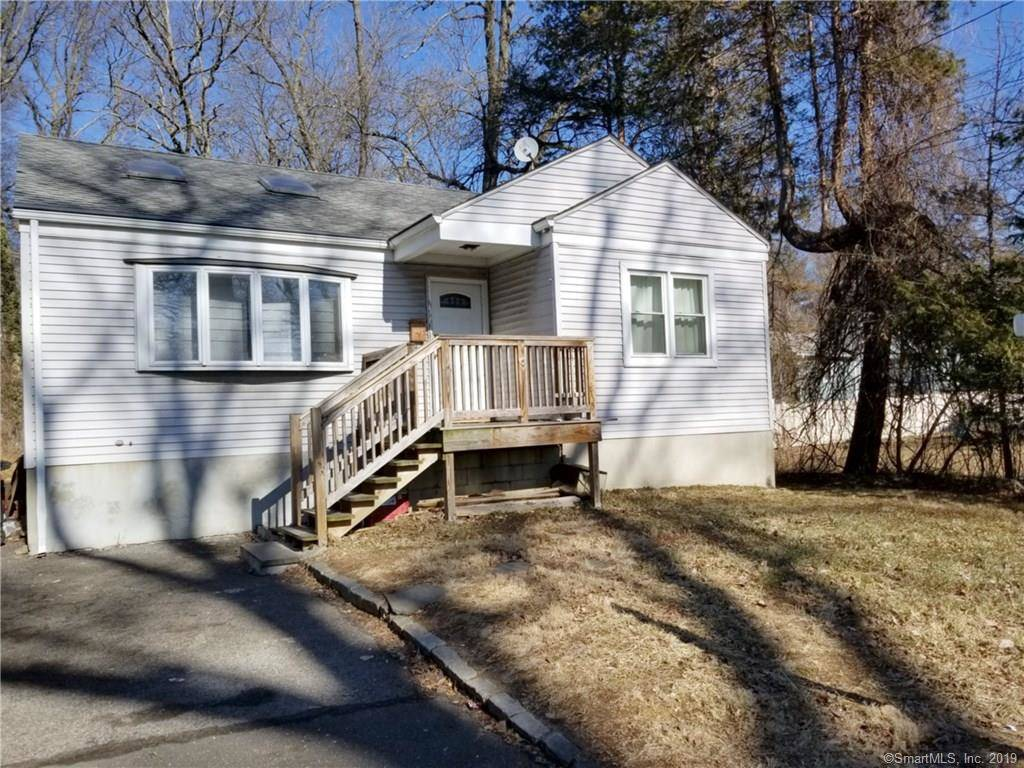 Single Family Home Sold in Stamford CT 06905. Ranch house near waterfront.