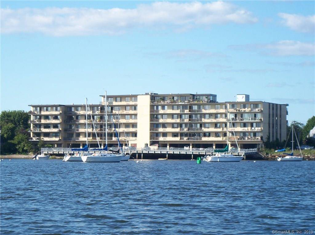 Condo Home Sold in Bridgeport CT 06605. Ranch house near waterfront.