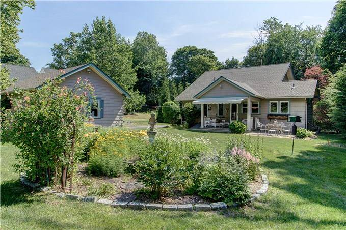Single Family Home Sold in Trumbull CT 06611. Old colonial bungalow house near waterfront with 2 car garage.