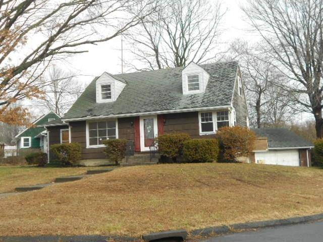 Foreclosure: Single Family Home Sold in Stratford CT 06614.  cape cod house near waterfront with 2 car garage.