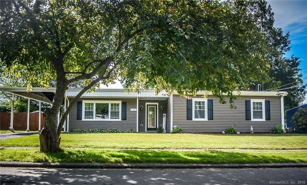 Single Family Home For Sale in Stratford CT 06614. Ranch house near waterfront with 2 car garage.