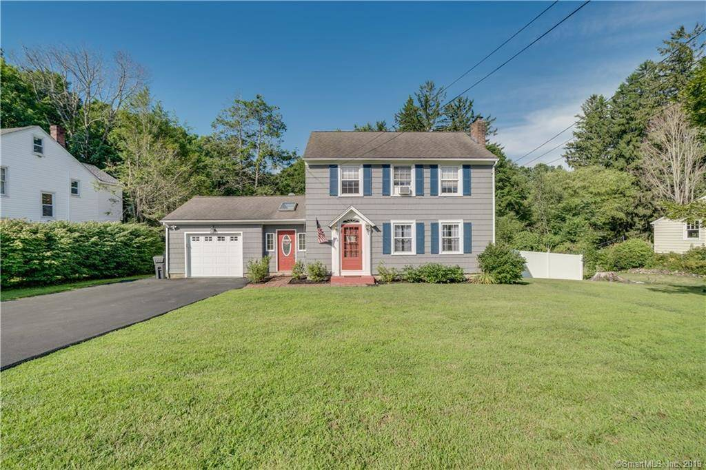 Single Family Home Sold in Danbury CT 06811. Old colonial house near waterfront with 1 car garage.