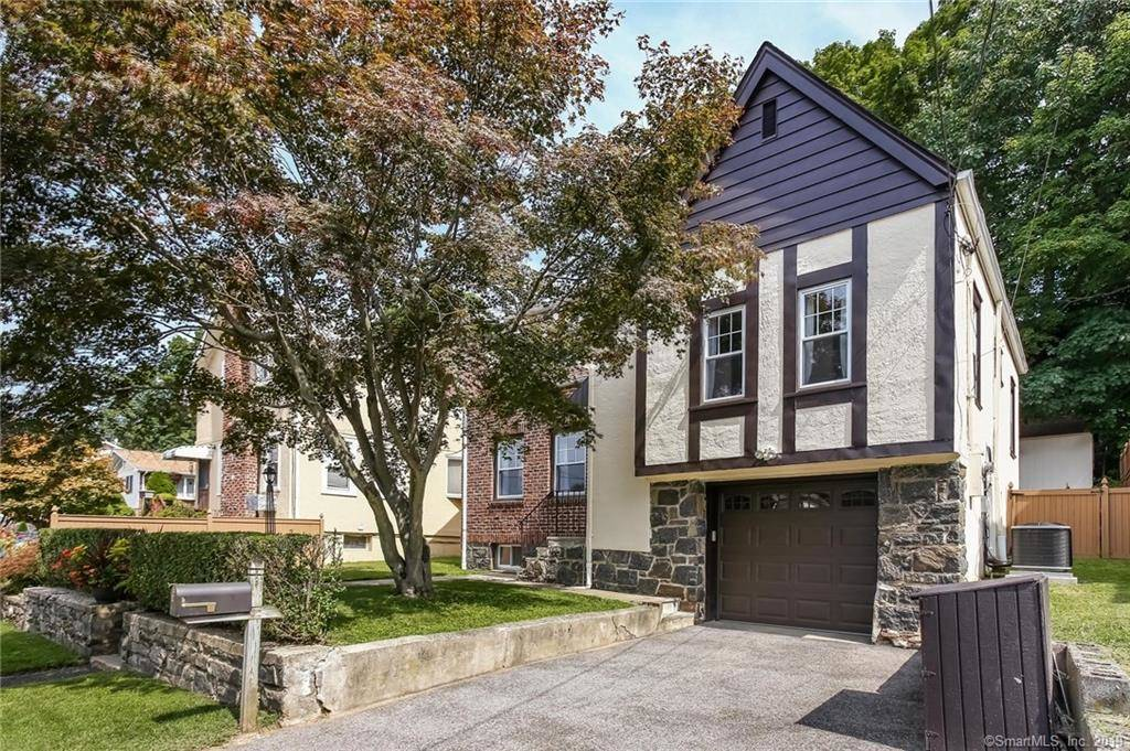 Single Family Home Sold in Greenwich CT 06831. Old  cape cod house near beach side waterfront with 1 car garage.