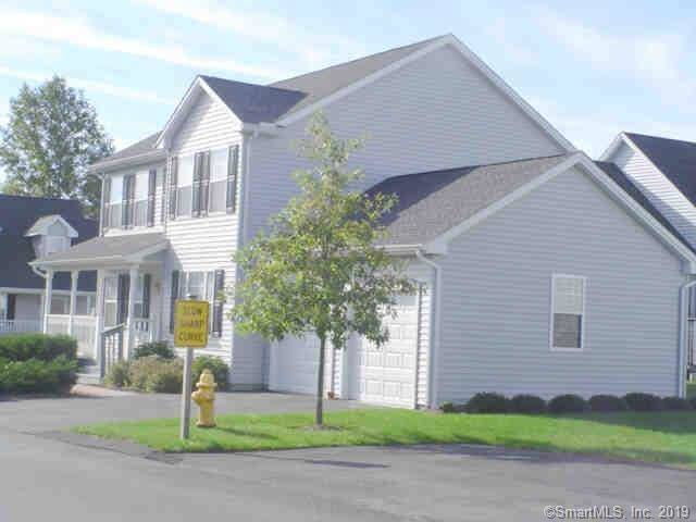 Condo Home Sold in Trumbull CT 06611.  house near waterfront with 2 car garage.