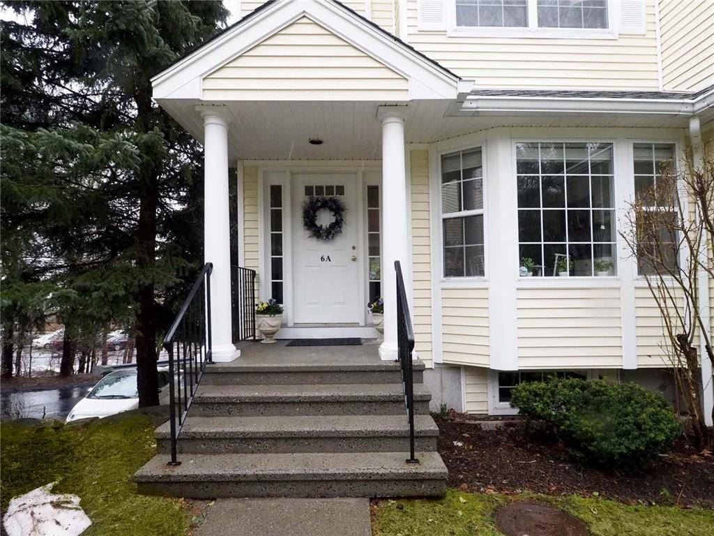 Condo Home Sold in Stamford CT 06905.  townhouse near waterfront with 1 car garage.