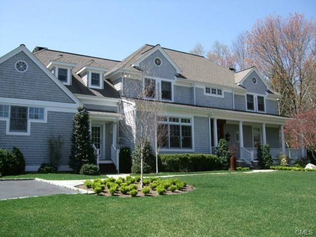 Mansion Rented in Westport CT 06880. Big colonial house near lake side waterfront with swimming pool.
