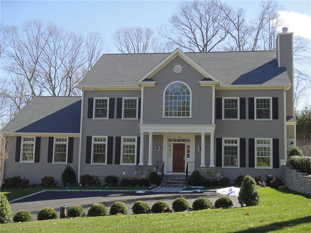 Single Family Home Sold in Stamford CT 06903. Colonial house near waterfront with 3 car garage.