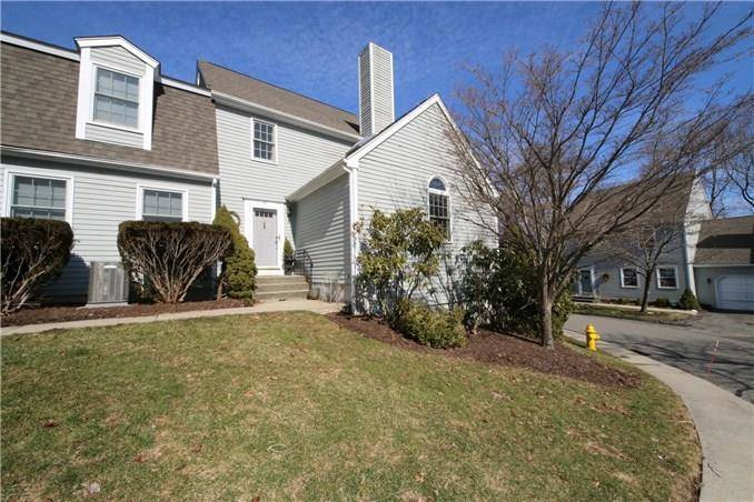 Condo Home Rented in Ridgefield CT 06877.  house near waterfront with swimming pool and 2 car garage.