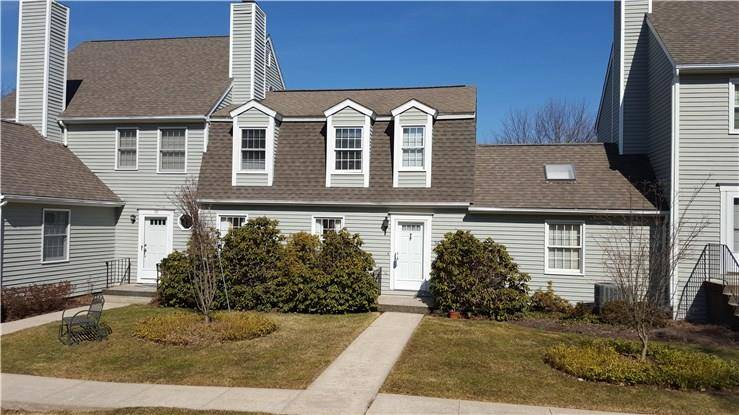 Condo Home Rented in Ridgefield CT 06877. Colonial townhouse near waterfront with swimming pool and 2 car garage.