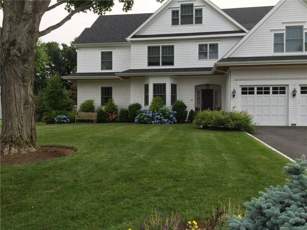 Single Family Home Rented in Westport CT 06880. Colonial house near beach side waterfront with swimming pool and 2 car garage.