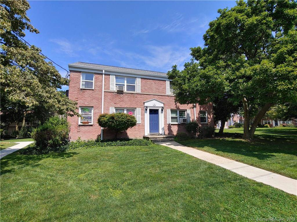 Condo Home Sold in Stamford CT 06902. Ranch house near beach side waterfront.