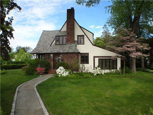 Single Family Home Sold in Stamford CT 06905. Old tudor house near waterfront with 2 car garage.