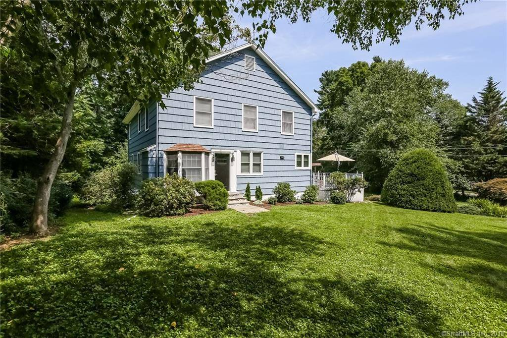 Single Family Home Sold in Norwalk CT 06850. Colonial house near river side waterfront with 1 car garage.