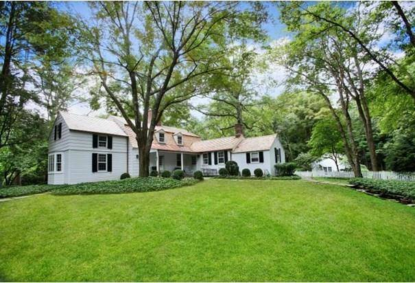 Single Family Home Sold in Weston CT 06883. Old colonial cottage house near beach side waterfront with swimming pool and 2 car garage.