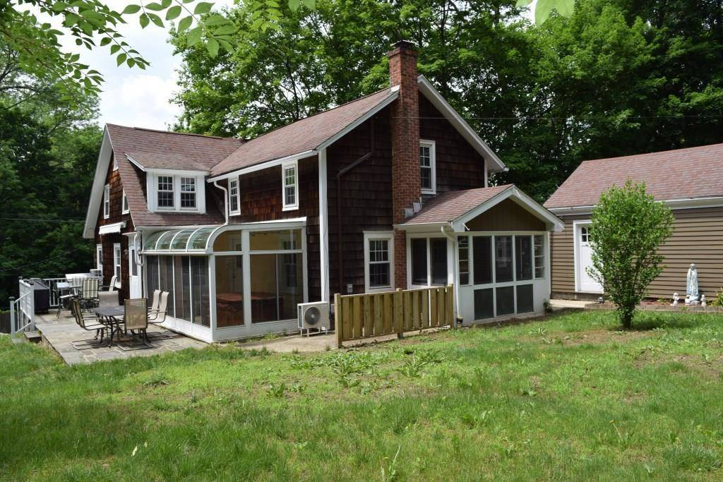 Single Family Home Sold in Wilton CT 06897. Old colonial house near waterfront with 1 car garage.