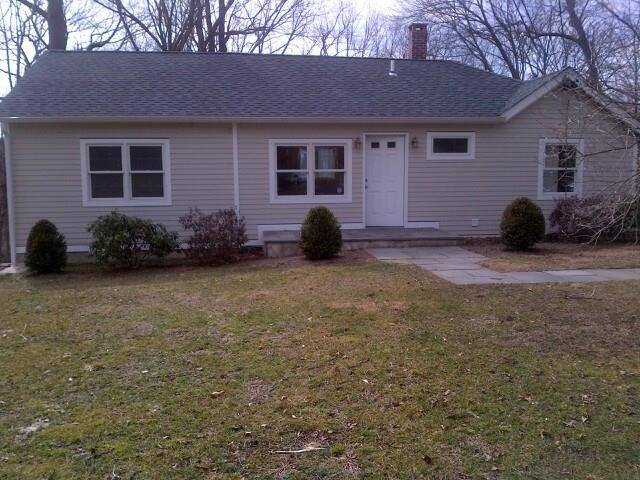 Single Family Home Rented in New Canaan CT 06840. Ranch house near river side waterfront with 1 car garage.