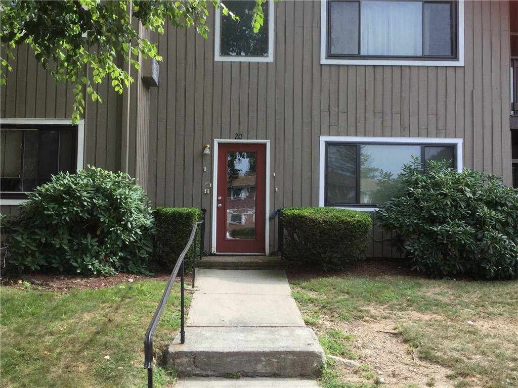 Short Sale: Condo Home Sold in Bridgeport CT 06606. Ranch house near waterfront with swimming pool and 1 car garage.
