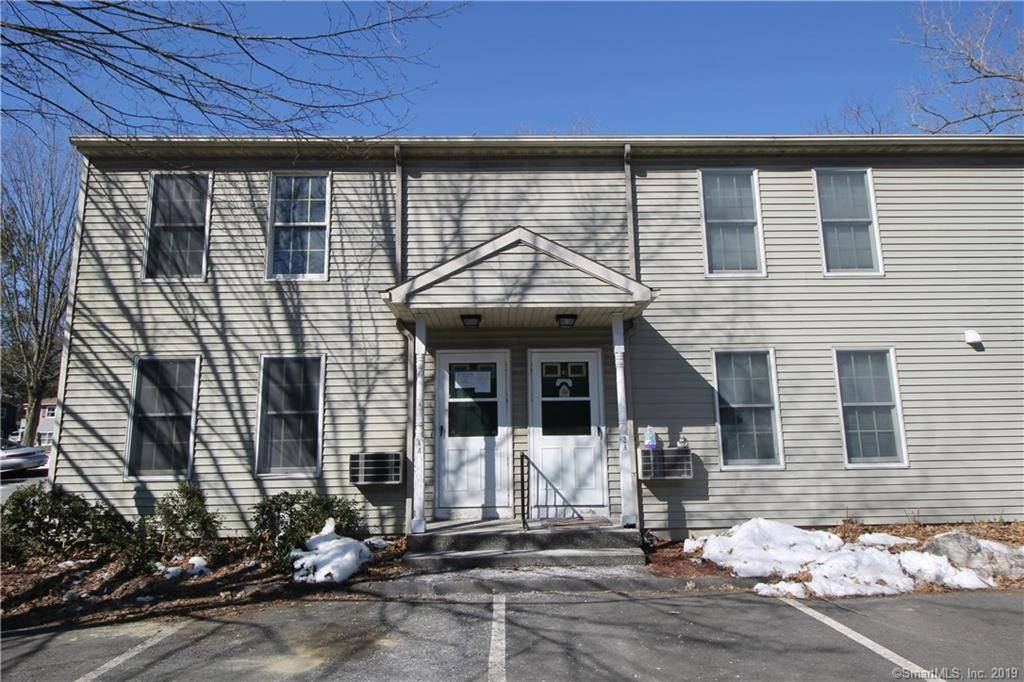 Foreclosure: Condo Home Sold in Danbury CT 06810.  townhouse near waterfront.