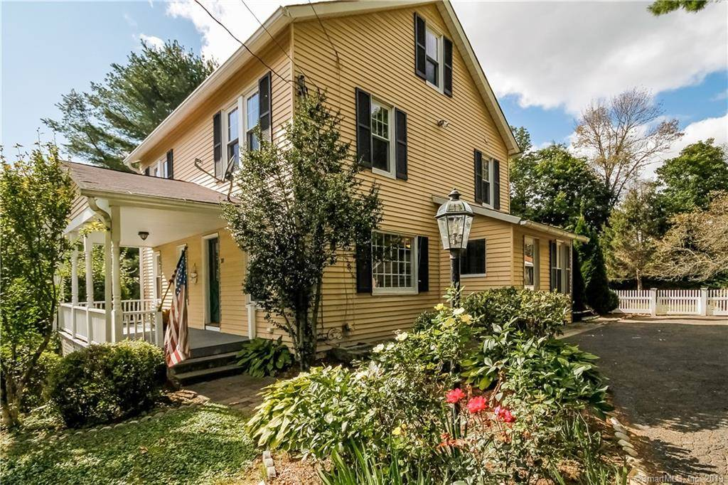 Single Family Home Sold in Ridgefield CT 06877. Old colonial house near waterfront with 2 car garage.