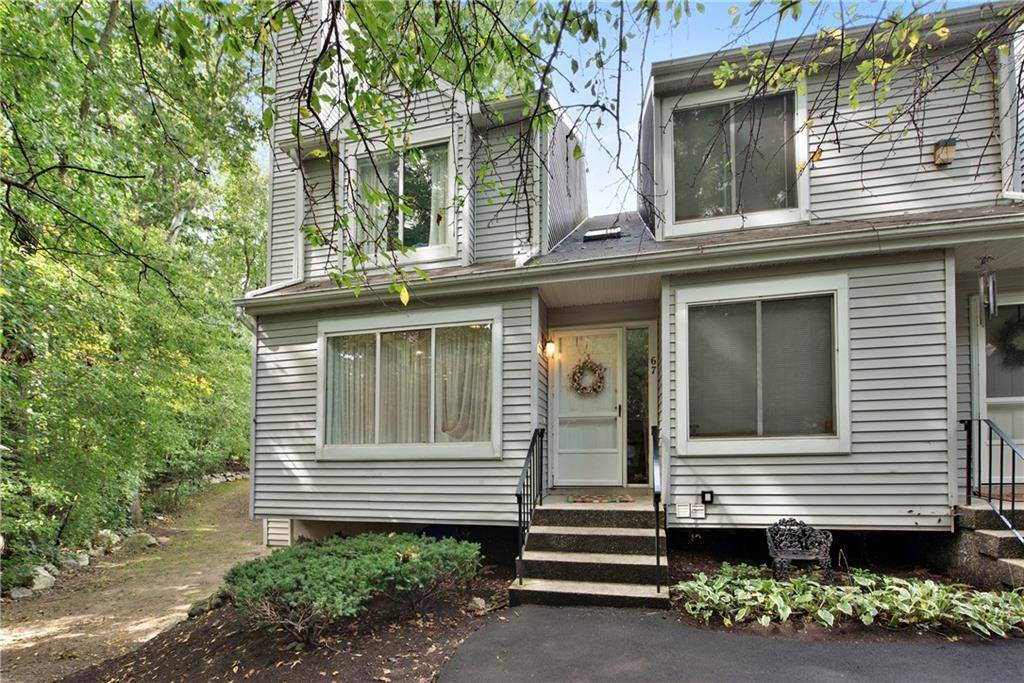 Condo Home Sold in Danbury CT 06811.  townhouse near waterfront with swimming pool.